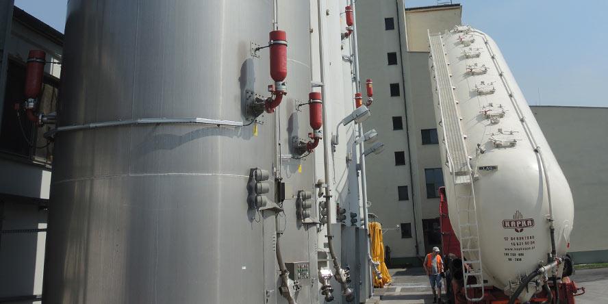 Budowa instalacji rozładunku, magazynowania i transportu pneumatycznego mąki