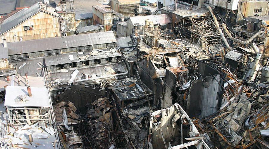 Zakład Imperial Sugar Refinery po wybuchu pyłu cukru i pożarze