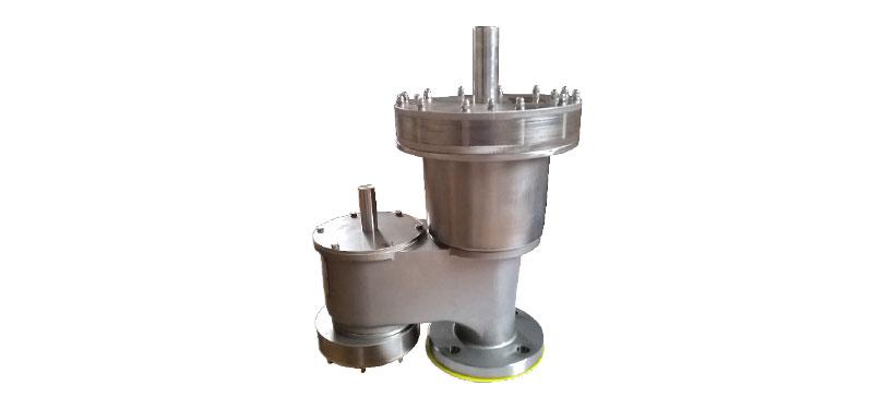 Nadciśnieniowo-podciśnieniowy zawór oddechowy ze zintegrowanymi jednostkami filtra płomienia typu TORNADO